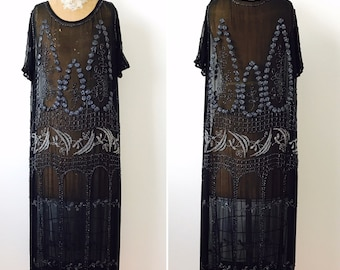 Vintage 1920s beaded flapper dress/Black silk dress/Jet black beads/Art deco/Gatsby