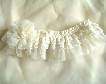 womens Wedding garter Cream Lace wedding garter OOAK with cream silk flower