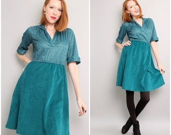 1970's Shirt Dress / A-Line Fit and Flaire Dress / Teal Green / Small