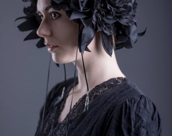Black flower crown // Wreath headdress with huge flowers // Handmade silk leaves and feather tassels / Black Mucha headpiece / Gothic fusion