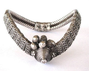 "Antique Tamil Nadu Armlet, Bracelet, Upper Armlet ""Vanki"",  Rigid Twisted Wire, Solid High Grade Silver, South India, HEAVY,87.5 Grams"