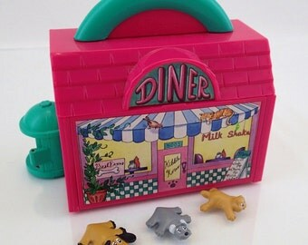 Galoob Pound Puppies Vintage Diner Miniature Compact Kibble Korner Hideaway Playset Mini Tiny Plastic Puppy Kitty Cat Purries 90s