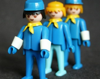 Rescued Playmobil trio. Vintage 1974 first generation toy. The Bluecoats.