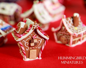 Traditional Gingerbread House - pink and red