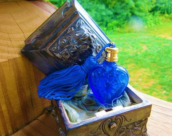 Vintage Colbalt Blue Glass Heart Pendant Blue Tassle Goldplate Screw Lid