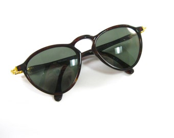 Ray-Ban Gatsby DLX Style 2 sunglasses. W1743. Tortoiseshell pattern plastic frames. Non prescription lenses.