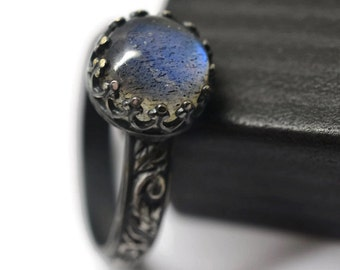 Gothic Labradorite Ring, Oxidized Silver Ring, Natural Gemstone Jewelry, Floral Engagement Ring, Statement Jewelry