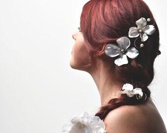 Dogwood Hair Pins - Set of 3 - Pearl - Woodland Wedding Bobby Pins
