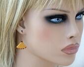 Triangle Minimalist Earrings, Peyote Womens Earring, Geometric Earrings, Seed Beads, Beaded Jewelry, Beadwork Triangles, Golden Brown Copper
