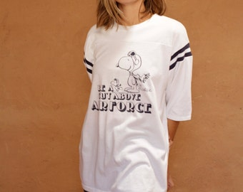 vintage SNOOPY 60s 70s football t-shirt AIR FORCE be a cut above super soft faded white t-shirt