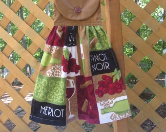 Wine Hanging Kitchen Dish Towel, Hanging Hand Towel, Kitchen Towel, Wine Kitchen Decor, Wine Party Towel, Gift for Wine Lover SnowNoseCrafts