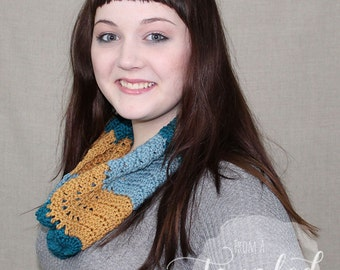 Crochet Cowl / Infinity Scarf / Tricolor / THE TABITHA COWL