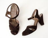 RESERVED / 1940s vintage shoes / brown suede peep-toe sandals / size 6.5-7