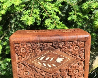 Vintage Hand Carved Wood Jewelry Box Floral Inlay Handcarved Wooden Trinket Storage India ~ #A1587