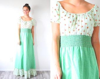 Vintage hippie boho floral maxi dress // green floral garden dress // short sleeve summer dress // modest boho green dress / festival navajo