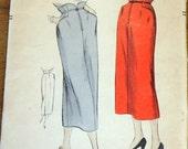 Vogue 6832 Tulip Waist Slim Straight Skirt, Back Kick Pleat, Women's Misses Vintage 1940s Sewing Pattern Waist 24 Hip 33 Unprinted Complete