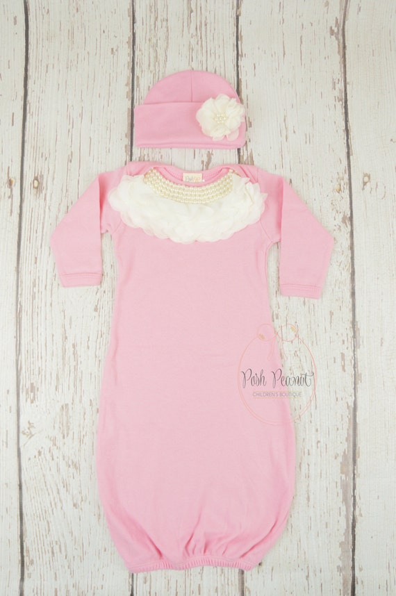 Baby girl layettes should include all the essentials for baby's first few weeks after delivery, including home-from-the-hospital outfits - we've got formal, casual, summer and bundle-worthy warm baby hospital outfits - plus onesies, bloomers, T-shirts, sweaters and hats.