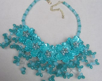 Tantalizing All Seasons Shades of Turquoise Flowers in a Bib Necklace