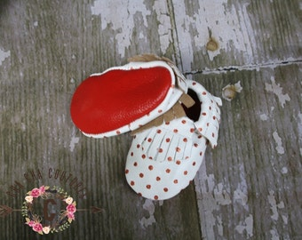 SALE SALE WOW! Red Bottoms Pop 100% genuine leather baby moccasins Mocs moccs top quality, first birthday,