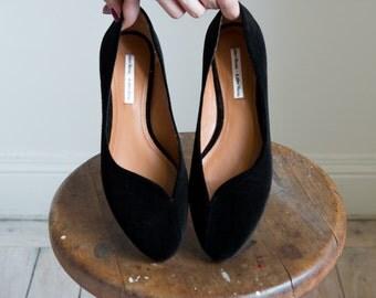 Black velvet soft ballerina shoes