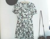 Vintage 80s/90s Cream Floral Summer Dress sz. S-M
