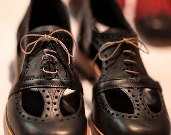 Brogue Oxford with cutouts