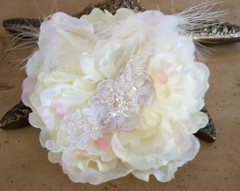 Ivory Wedding Hair Flower , Wedding Headpiece,  Bridal Hair Piece,   Ivory Flower Fascinator, Flower Hair Clip, French Lace Hair piece