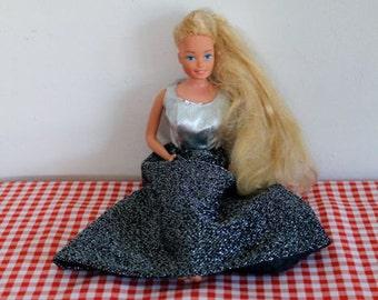 vintage 1960s barbie doll - MATTEL fashion doll 1966