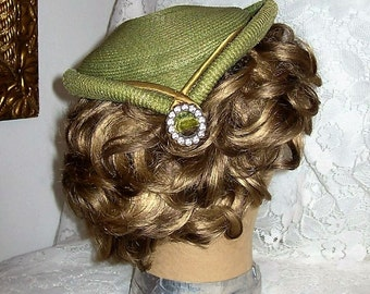 Vintage 1950s Ladies Green Woven Straw Pillbox Hat by Carol Only 12 USD