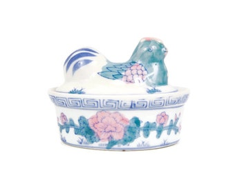 Vintage Nesting Rooster Trinket Box Chicken on Nest Pill Box Porcelain Hen Jewelry Box Hen Chicken Covered Container