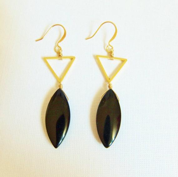 triangle dangle earrings black earrings glass petal bead. Black Bedroom Furniture Sets. Home Design Ideas