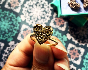 Sparkling Gold Heart Ring