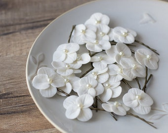 Hydrangea hair clips - white hydrangea flowers - bridal hair accessories - wedding hair accessories - bobby pin flower for hair