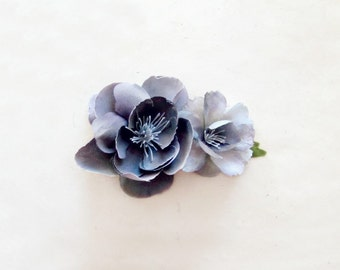 Flower Hair Clip in Charcoal Gray and Silver. Grey Bridesmaid Hair Accessories. Rustic Flower Hair Accessories for Winter Woodland Wedding.
