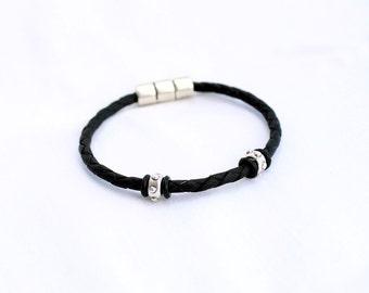 Leather braided bracelet for men or women  - Brown or black bracelet -  Zamak Magnetic Clasp