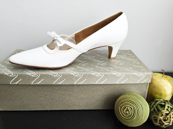 Vintage 60s white wedding shoes/ New Old Stock by Vintagiality