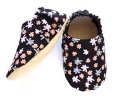 Baby Girl Shoes, 6-12 mos Baby Booties, Baby Girl Soft Shoes, Flower Baby Shoes, Slip On Baby Shoes, Baby Girl Gift