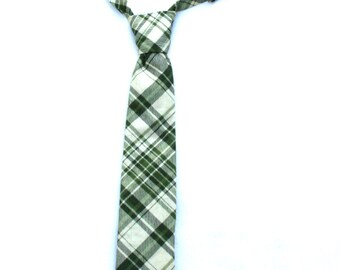 Boys Necktie, Green Plaid Neck tie, Rustic Green Plaid Necktie, Toddler and Teen Tie, Christmas Outfit, Ring Bearer