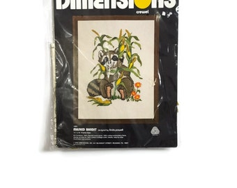Vintage Dimensions Raccoon Crewel Embroidery Kit 1091 Masked Bandit with Corn Woodland Harvest Farmhouse Decor Retro 70s NIP