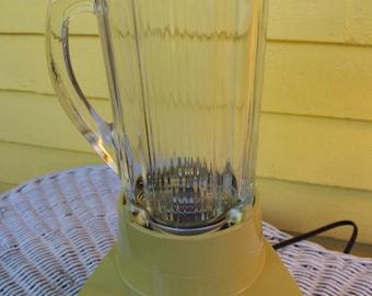 Vintage Harvest Gold 1970s Waring Blender Model 11-298 Works Great!