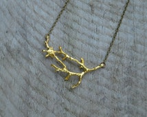 Simple gold twig necklace , Statement woodland jewelry , twig jewelry , gold branch necklace , branch jewelry
