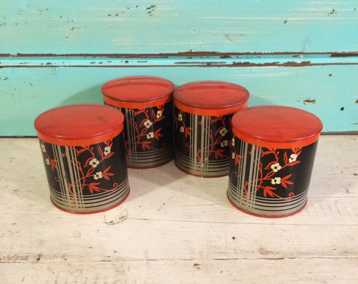 1930s vintage kitchen vintage spice tins set of 4 by for Retro kitchen set of 6 spice tins