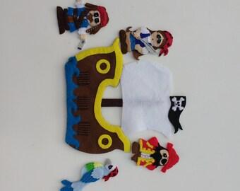 Pirate Ship finger puppet set