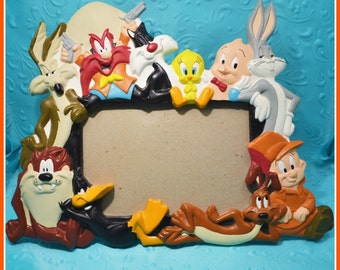 Warner Bros. Looney Tunes Favorite Friends 4x6 Picture Frame - Bugs Bunny, Daffy Duck, Porky Pig & More