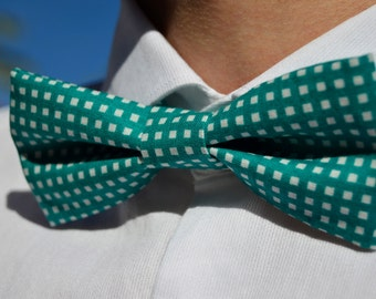 Green&white pattern bowtie - Adjustable - Unisex
