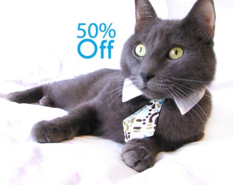 On Sale! Dog/Cat geometric swirl necktie/bowtie on a shirt style collar
