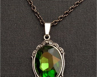 Neo-Victorian Absinthjewel Amulet - Medaillon, Necklace, Setting, Cabochon, Resin, green, silver, filigree, handmade, metal