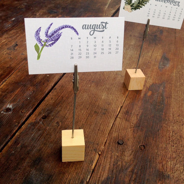 Calendar Wood Stand : Mini desk calendar with clip wood stand