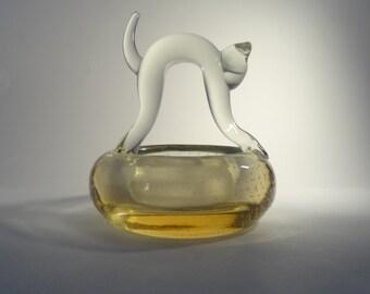 Skrdlovice Prof. V. Volf 4523 / Pallme-Konig 1957 -- mid-century bubbly art glass bowl with cat figure -- Czech art glass