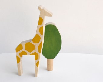 Wooden toy giraffe and tree, wooden animal figure for kids